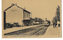 LOT 2 CPA TRAIN EN GARE DE LA GRANDE PAROISSE ET ACCIDENT DE TRAIN A LIZY SUR OURCQ 4 CANS - Trains