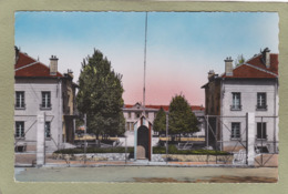 COMMERCY   LA COUR D'HONNEUR - Commercy