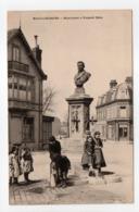 - CPA MALO-LES-BAINS (59) - Monument à Gaspard Malo (avec Personnages) - Photo-Edition FALCINY - - Malo Les Bains