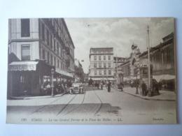GP 2019 -  2118  NÎMES  (Gard)  :  La Rue Général PERRIER Et La Place Des Halles   XXX - Nîmes