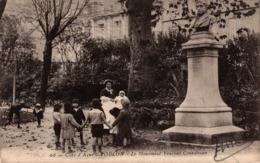 10081-2019       TOULON   LE MONUMENT VINCENT COURDOUAN - Toulon