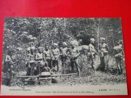 LAOS HALTE DE COOLIES KHAS KOUENES DANS UNE FORET DU HAUT MEKONG - Laos