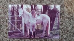 PHOTO CHEVAL JEUNE CAVALIERE BOSQUET  1983 85  FORMAT 9 PAR 13.5 CM - Photographs
