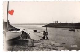 03385-LE-80-SAINT-VALERY-SUR-SOMME-La Baie De Somme.Le Feu Vert--------------animée-bateaux - Saint Valery Sur Somme