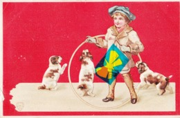 """Carte Gaufrée """" Enfant Au Cerceau Avec 3 Chiots - Cartes Postales"""