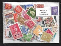 France Un Lot De 200 Timbres Neufs. - Mezclas (max 999 Sellos)