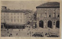 PARMA PALAZZO MUNICIPALE E VIA VITTORIO EMANUELE 1930 ANIMATA TRAMWAY - Parma