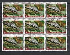 MADAGASCAR   N° 524  EN BLOC DE NEUF  TIMBRES   OBLITERES   COTE 1.35€   CAMELEON ANIMAUX - Madagascar (1960-...)