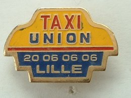 Pin's TAXI UNION - LILLE - Pins