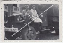 PHOTO ORIGINALE ANIMEE ANNEES 40 / USA MILITARY US ARMY TRUCK / PHOTO PROBABLY TAKEN IN BASTOGNE - Bastogne
