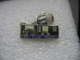"""Pin's Poste De Radio-cibie, """"DX Club Radio"""" De 1986 à 1991 Sur Le Canal 19 - Medios De Comunicación"""