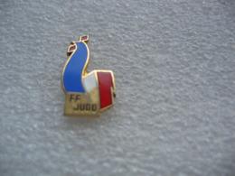 Pin's Coq Sportif FFJ (Fédération Francaise De Judo) - Judo