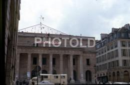1968 RENAULT CAMION SANTE ASSISTANCE PARIS FRANCE 35mm AMATEUR DIAPOSITIVE SLIDE Not PHOTO No FOTO B4943 - Dias