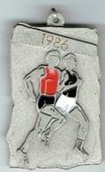Luxembourg ELL Cross Des Footballeurs Et Populaires 1986 - Entriegelungschips Und Medaillen