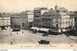 D72  LE MANS  Un Côté De La Place De La République  ..... ( Magasin Félix Potin ) - Le Mans