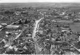58 - CORBIGNY Vue Aérienne Sur La Grande Rue - CPSM Village ( 1.450 Habitants) Dentelée Noir Blanc GF 1952 - Nièvre - Corbigny