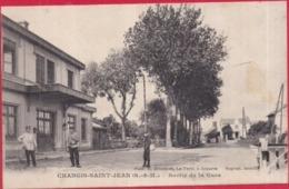 77 - CHANGIS-SAINT-JEAN - Sortie De La Gare - Photo Brindelet - Animée - (Changis-sur-Marne) - Andere Gemeenten