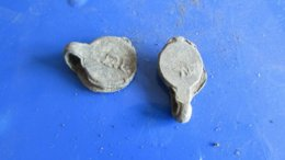 2 17th Century Jewish Kosher Lead Seals Hebrew Writing - Archéologie