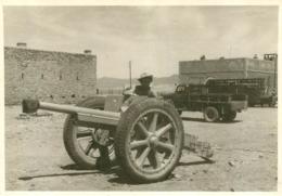 CANON DE 75 MODIFIE A LA SUITE 1917  PHOTO ORIGINALE FORMAT 12 X 8.50 CM - Guerra, Militari