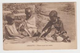 AC156 - LESOTHO - LESSOUTO - Fillettes Jouant Aux Osselets - Lesotho