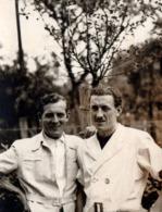Photo Originale Gay & Couple De Playboys Dans Leur Sahariennes Vers 1930/40 - Anonyme Personen