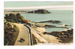 CPA. Guernsey. St Pierre Port. Les Bains Publics Et Le Château.   (M.268). - Guernsey