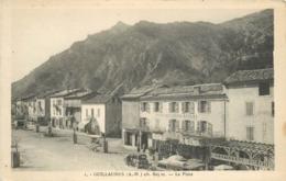 GUILLAUMES - La Place, Hotel De L'union - Robert. - France