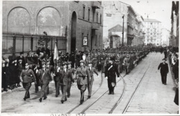 MILITARI A MILANO - FOTO FARABOLA 1939 - MILANO CORSO TICINESE - 1 - Krieg, Militär