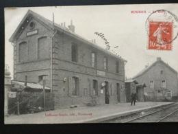 CPA Du 27 Juillet 1911 Rousies La Gare Chef De Gare Et Femme Sur Le Quai - France