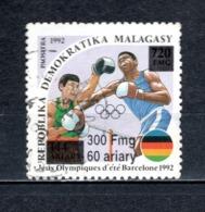 MADAGASCAR N° 1681Q  SURCHARGE LOCALE OBLITERE   COTE  ? €   SPORT BOXE  VOIR DESCRIPTION - Madagascar (1960-...)