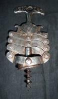 """Tire-Bouchon Ancien  """"ZIG-ZAG""""  Années 50   - En Anglais = Corkscrew  - Breveté ESGDG - Apri-bottiglie/levacapsule"""