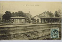 C. P. A. : 70 VITREY : Intérieur De La Gare, Animé, Timbre En 1904 - France