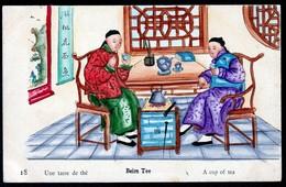 RARE CPA ANCIENNE CHINE-  ILLUSTRATION AQUARELLE- VIE EN CHINE DÉBUT XXe.-  UNE TASSE DE THÉ - China