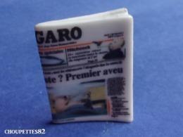 Fèves Fève Publicitaire HORS SERIE Magazine Revue Le Figaro*333* - Charms