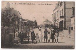CPA 44 La BERNERIE La Rue De Pornic - La Bernerie-en-Retz