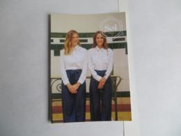 CPM Publicitaire Mode Femme SOI Paris Recto La Reine Elisabeth D' Angleterre Style Andy Waroll - Moda