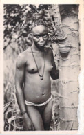 AFRIQUE TCHAD Jeune Fille Sara (peupe Ethnie Ethnologie)(nu Seins Nus Nue) Photo R.Pauleau Douala 204) - Ciad