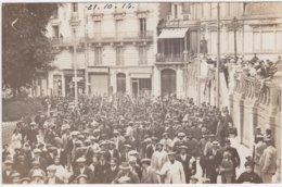 Carte Photo Blois (41) Défilé Régiment Militaires Devant Buvette Du Château Et Tapisseries Gagnot-Sausse 1914 - Blois