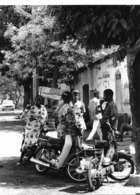 Photo Mali Les Yamaha-Dames Mobylettes Des Maliennes à Bamako Fin 1980ss. - Africa