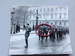 Photo Originale Militaires Gradés Défilé A Identifier - Militaria
