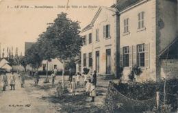 I180 - 39 - DOMBLANS - Jura - Hôtel De Ville Et Les Écoles - Other Municipalities