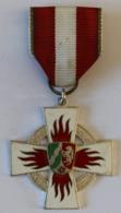 Médaille Décoration Allemagne Pompiers Feuerwehr-Ehrenzeichen Nordrhein-Westfalen, Sonderstufe Silber - Medals