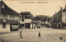 SALIES De BEARN  Place Du Baya Boucherie RV - Salies De Bearn