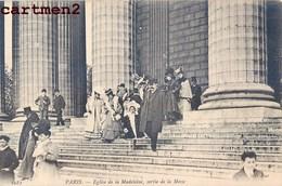 PARIS EGLISE DE LA MADELEINE SORTIE DE LA MESSE 75008 - Arrondissement: 08