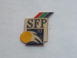 Pin's TELEVISION, SFP, TENNIS 93 - Médias