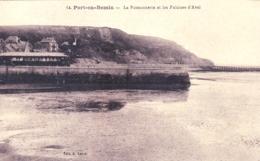 14 - Calvados - PORT En BESSIN - La Poissonnerie Et Les Falaises D Aval - Port-en-Bessin-Huppain