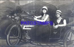 124517 REAL PHOTO WOMAN'S A MOTORCYCLE WITH SIDECAR CURTAIN TELON POSTAL POSTCARD - Motorräder