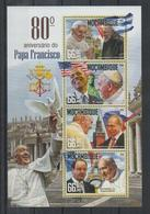 R313. Mozambique - MNH - 2016 - Famous People - Pope Francis - Celebridades