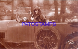 124571 AUTOMOBILE OLD CAR AUTO COUPE CONVERTIBLE AND WOMAN CIRCULATED TO ARGENTINA LANUS POSTAL POSTCARD - Ansichtskarten