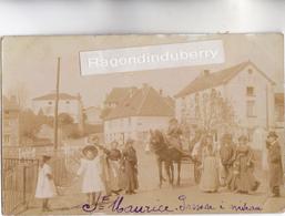 CPA PHOTO - 71 - SAINT-MAURICE-les-CHATEAUNEUF - Le PASSAGE à NIVEAU Très Animé Bel ATTELAGE - CARTE PHOTO RARE 1906 - - Autres Communes